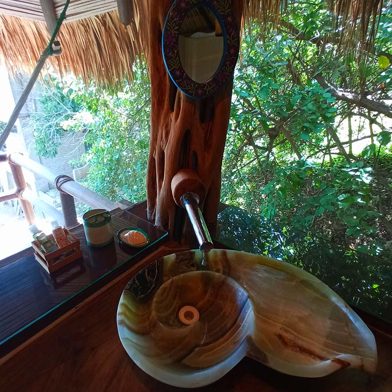 The beautiful bathroom sink of our Iguana Bungalow
