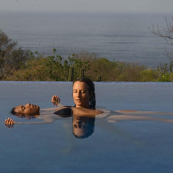 Aguahara; Masaje en el agua con Jojo Walsh