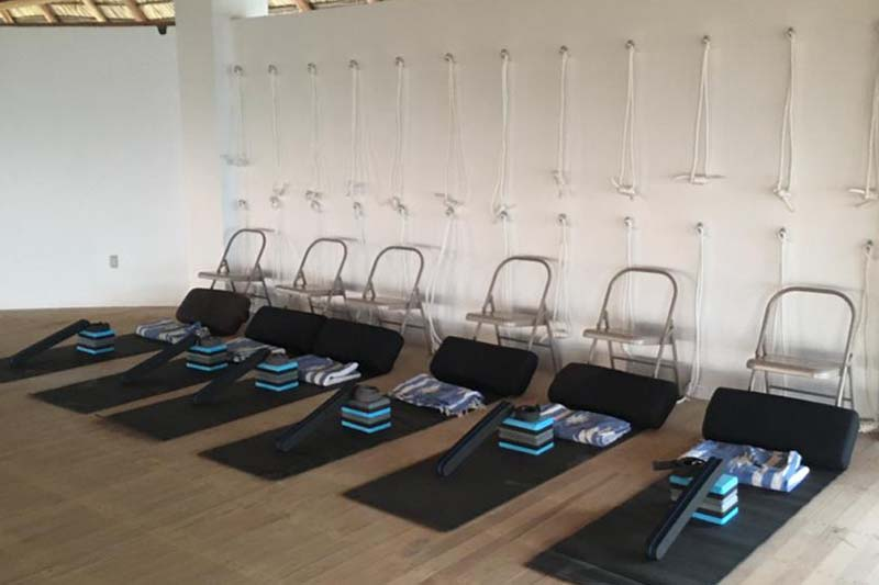 En nuestro Retiro de Yoga de Mazunte, tendrás un estudio de yoga completamente equipado